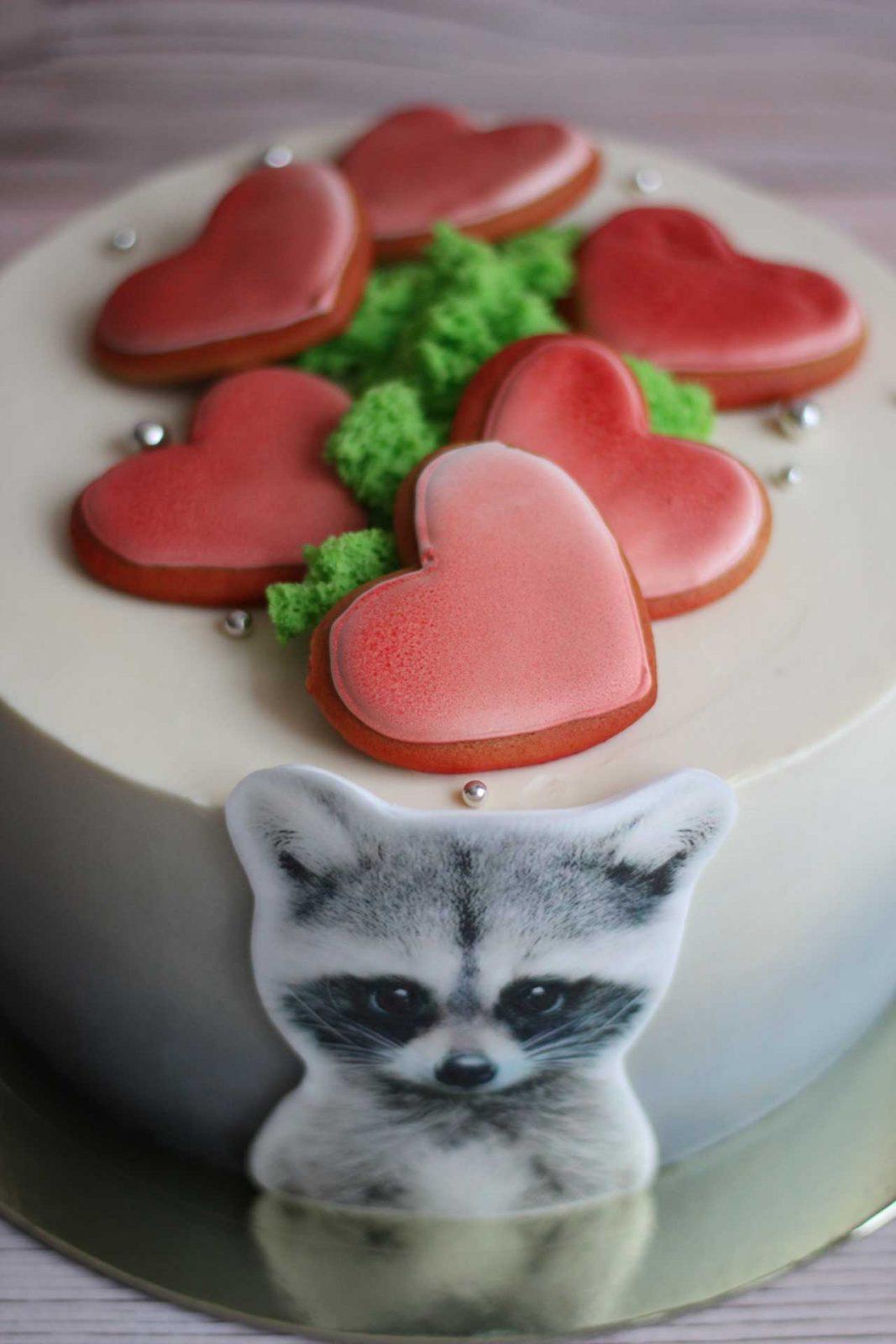 Тортик с енотом