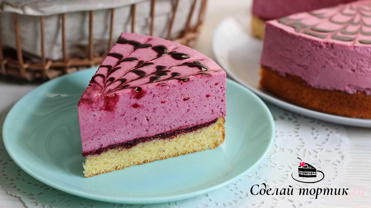 Муссовый торт из чёрной смородины готов!
