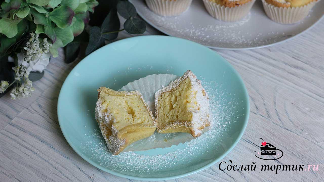 """Готовые пирожные """"Соффиони"""" остужаем и посыпаем сахарной пудрой."""