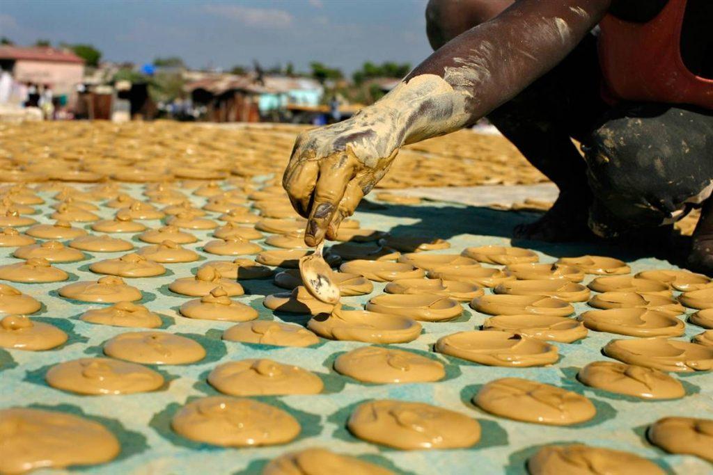 Печенье бедняков на Гаити